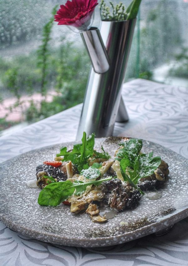 resorts world genting christmas new year promotion olive restaurant mushroom salad