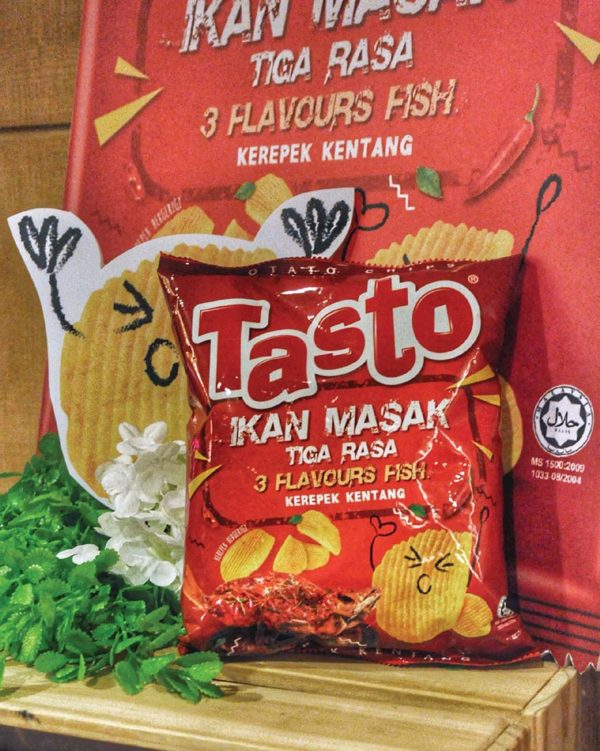 tasto potato chips and dozo rice crackers 3 flavours fish