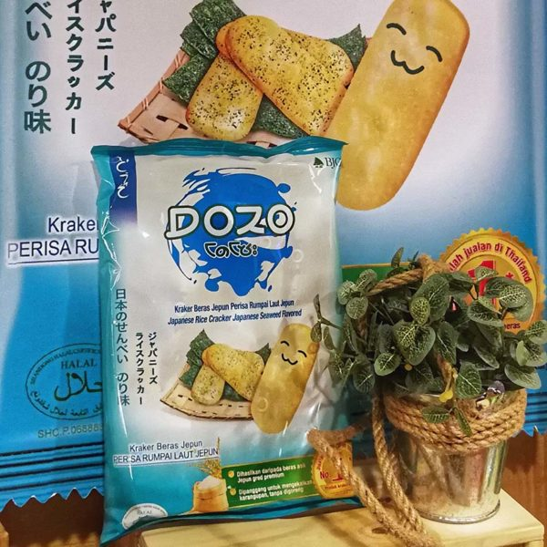 tasto potato chips and dozo rice crackers japanese seaweed flavour