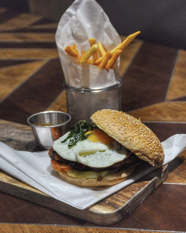 tommy thongchai thai fusion restaurant jaya one pj krapao pork burger