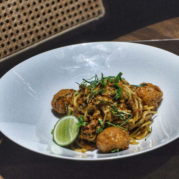 tommy thongchai thai fusion restaurant jaya one pj tom yum bolognese pasta