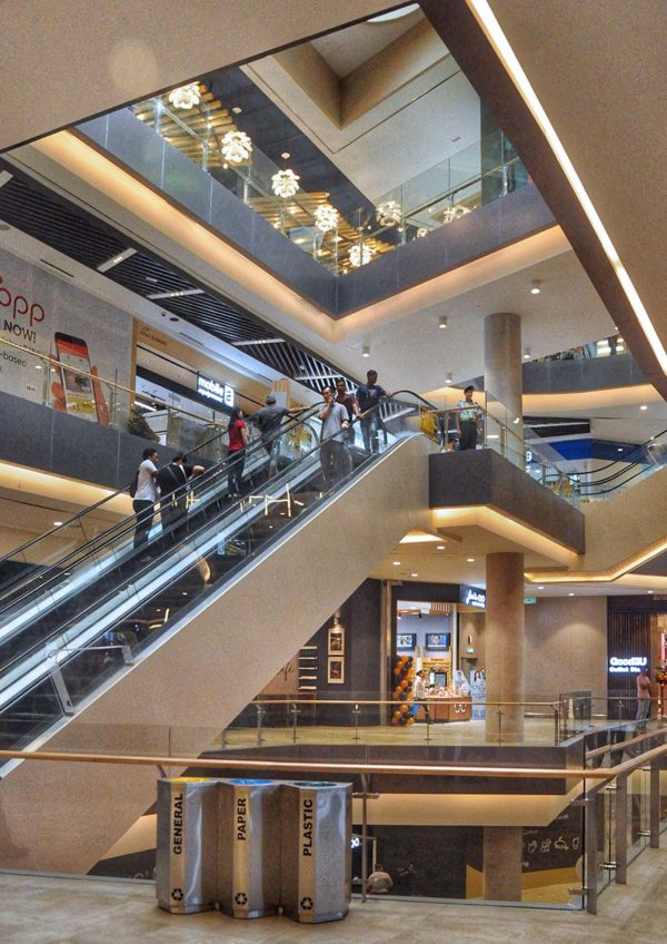 toppen shopping centre tebrau johor bahru clean design