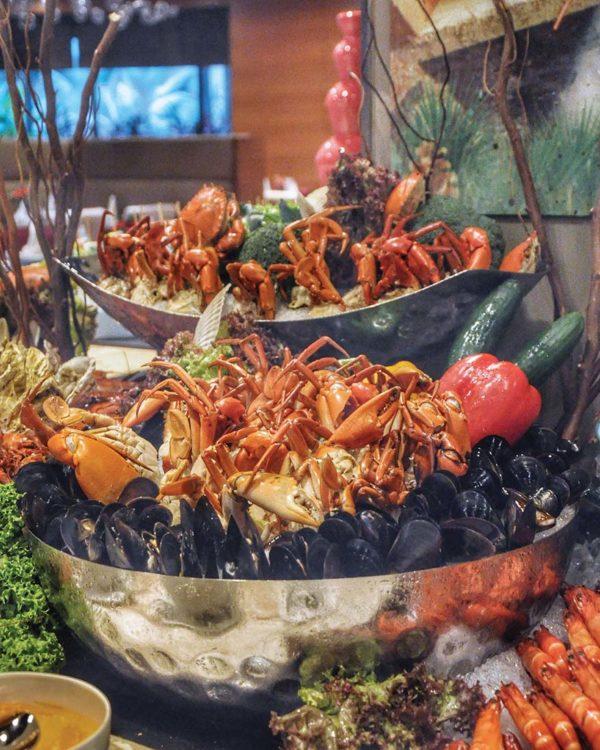 christmas buffet cinnamon coffee house one world hotel pj fresh seafood