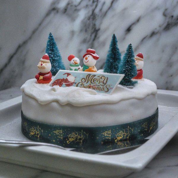 evolution cafe renaissance kuala lumpur hotel christmas buffet cake pastry