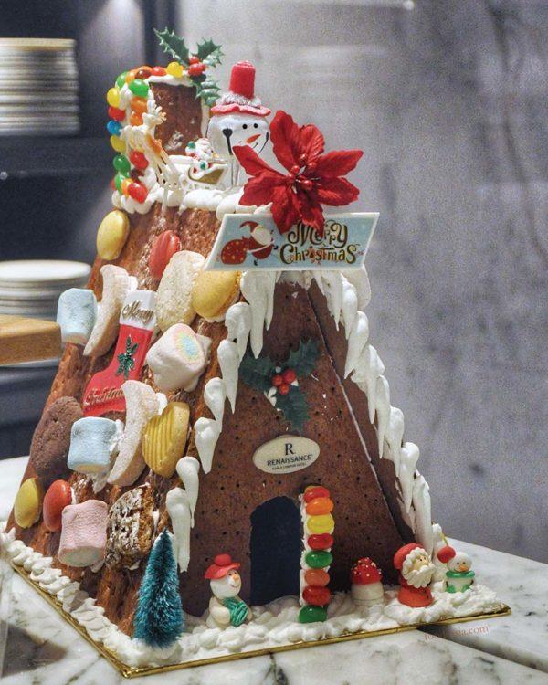 evolution cafe renaissance kuala lumpur hotel christmas buffet ginger bread house