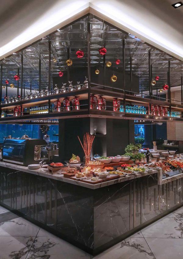 evolution cafe renaissance kuala lumpur hotel christmas buffet salad counter