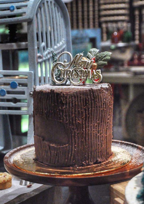new world petaling jaya hotel pasar baru christmas buffet yule log cake