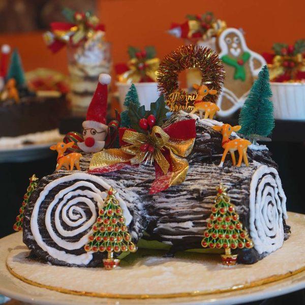 spice restaurant furama bukit bintang kuala lumpur christmas buffet yule log cake