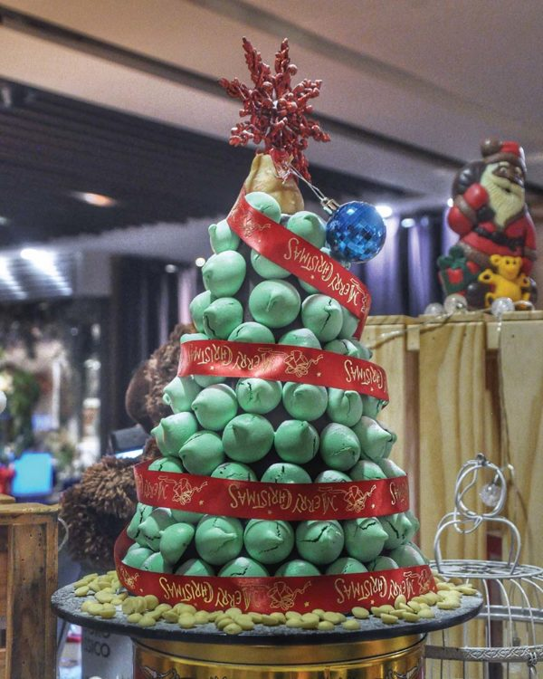 the westin kuala lumpur chocolicious christmas sweet new year meringue tower