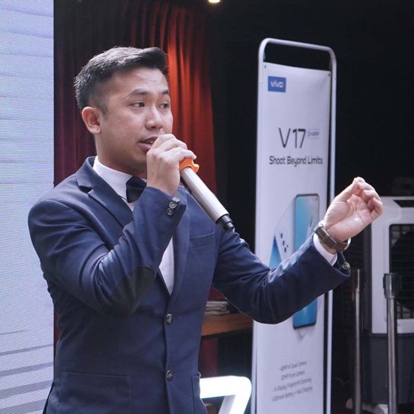 vivo malaysia v17 smart phone raymond teoh brand assistant manager