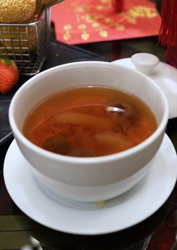 cny feast evolution cafe renaissance kuala lumpur hotel dessert