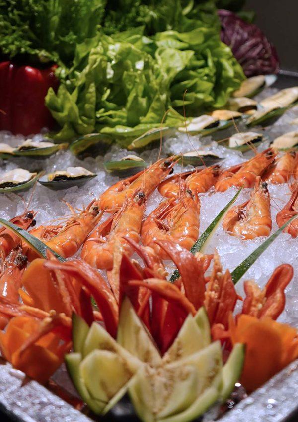 sunway putra hotel kuala lumpur cny reunion dinner buffet seafood on ice