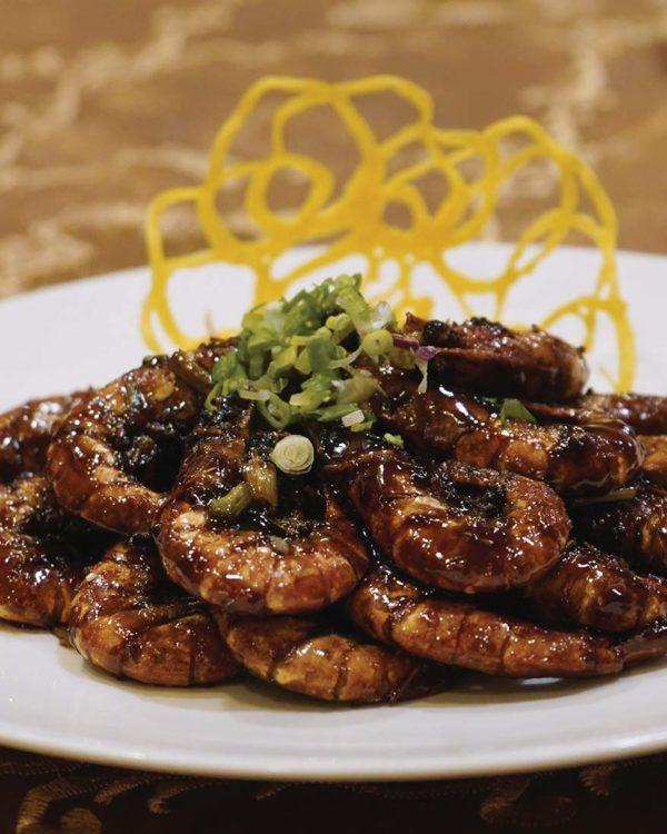 the emperor dorsett grand subang cny set menu prawns