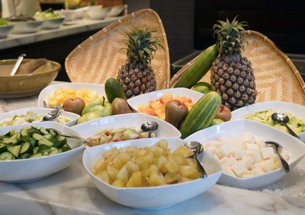 evolution cafe renaissance kl hotel selera a la kampung ramadan buffet rojak buah