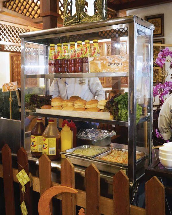 royale chulan kuala lumpur citarasa nusantara ramadan buffet burger stall