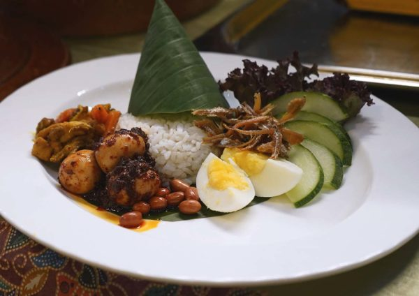 royale chulan kuala lumpur citarasa nusantara ramadan buffet nasi lemak dua kupang