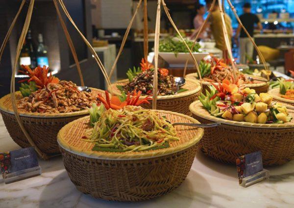 evolution cafe renaissance kl hotel selera a la kampung ramadan buffet kerabu