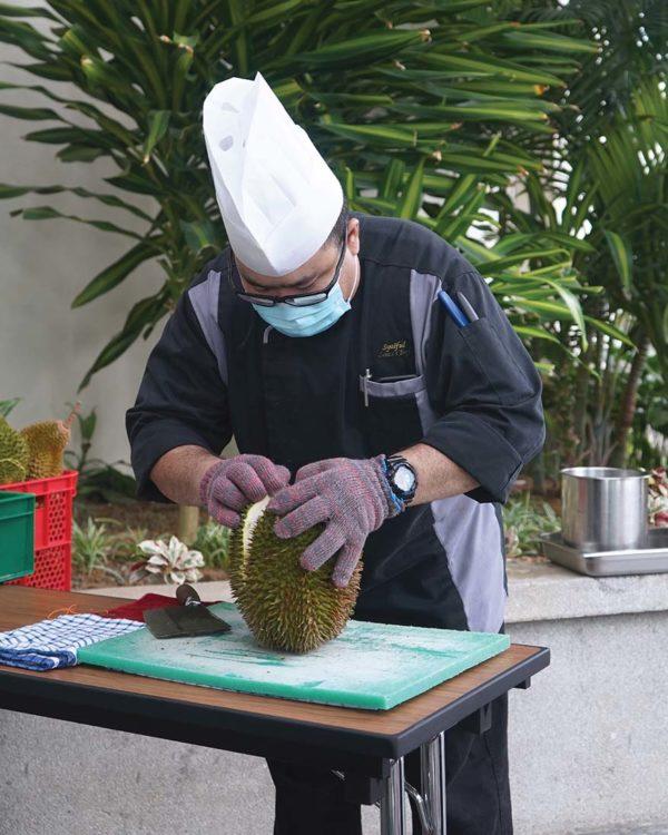 oakwood hotel residence kl durian on the go stall