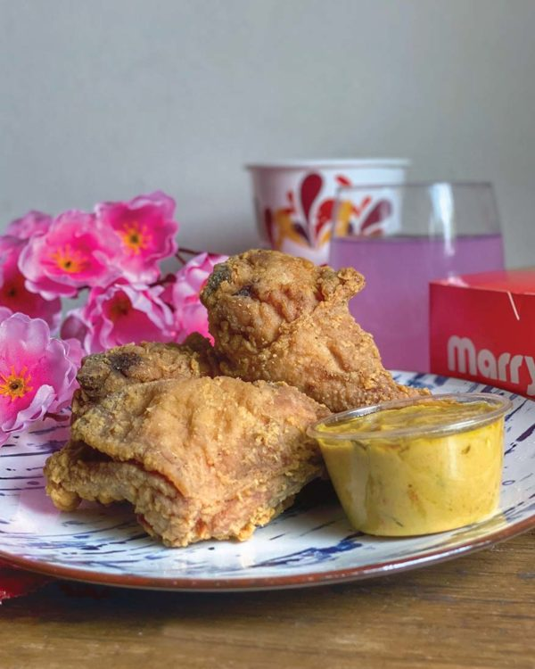 marrybrown cny egg-stra ong meal chicken combo