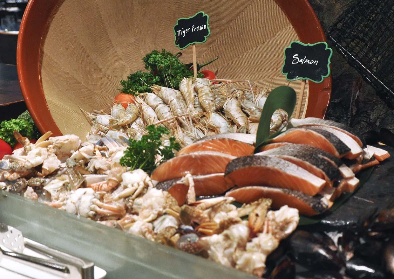 Fresh Market Buffet Dinner @ Serena Brasserie, InterContinental® Kuala Lumpur Hotel