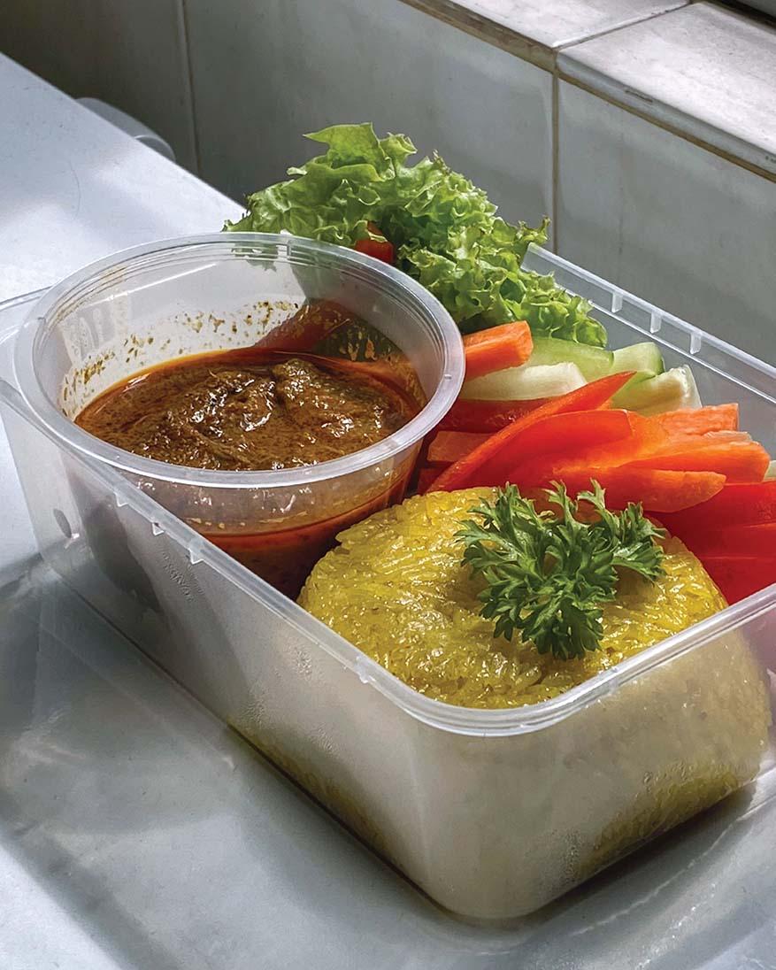 Tapaulah For A Makan Syok Experience This Festive Season