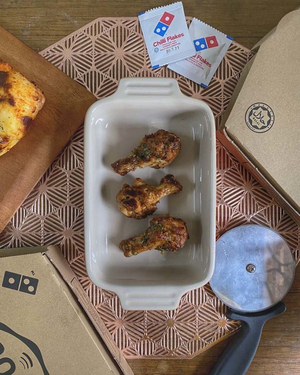 dominos pizza top secret sauce spicy fling chicken wings chilli dressing