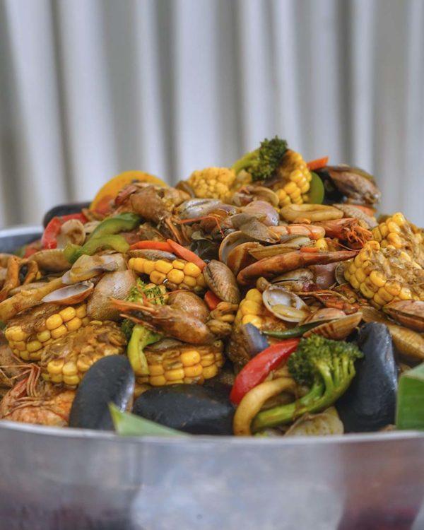 the venue shah alam nostalgia desa ramadan buffet shell out
