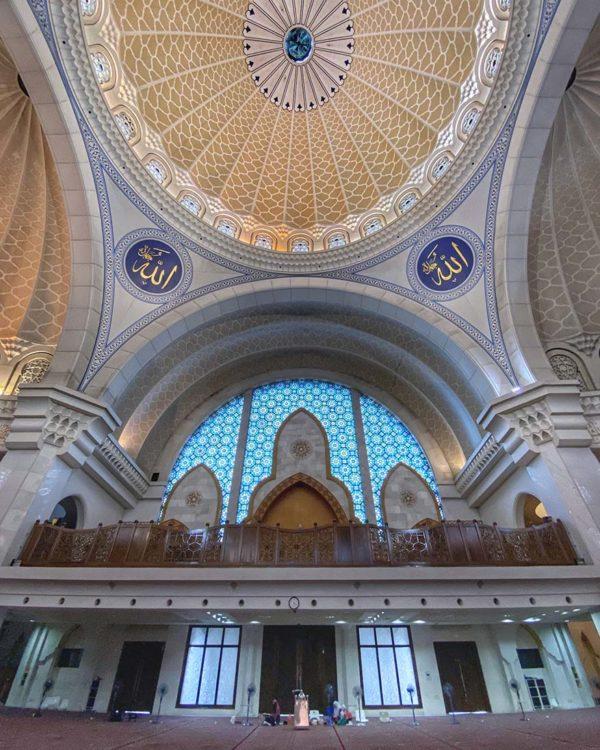 masjid wilayah persekutuan kuala lumpur prayer hall